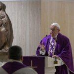 Papa: a fé não é espetáculo, é preciso pensar com espírito de Deus