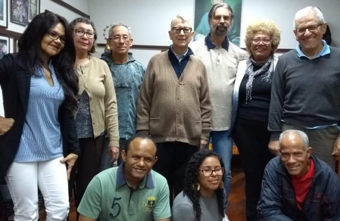 Equipe das Santas Missões Populares Visita a Casa Provincial