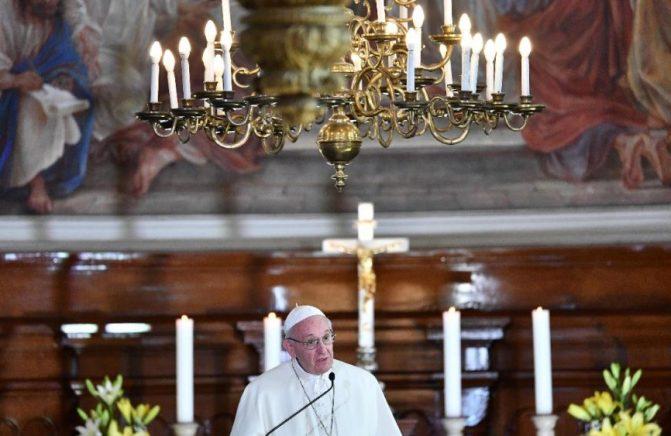 Papa aos jovens: com Jesus, a vida tem sabor de Espírito Santo