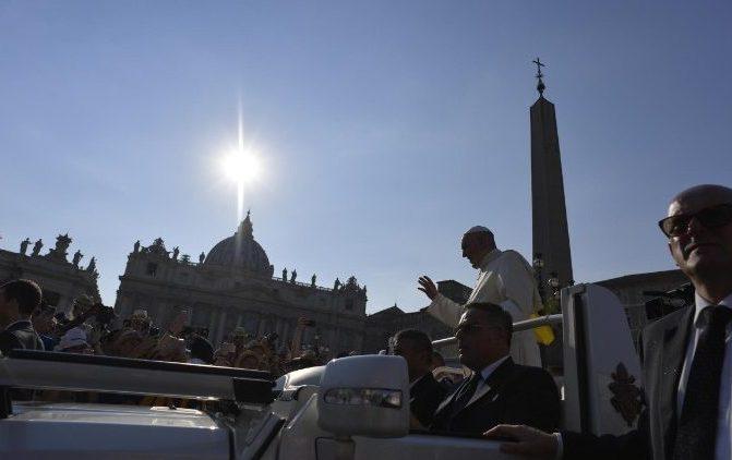 Vigília de Pentecostes com o Papa na Praça São Pedro