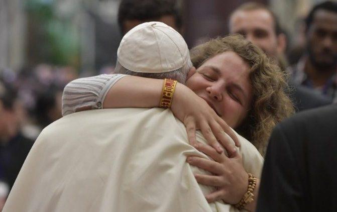 Papa: jovens sejam educados à transcendência