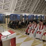 O Papa: o bispo deve estar próximo do povo de Deus para não cair em ideologias
