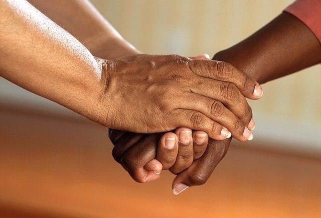 """O segredo da santidade: a delicadeza nas """"pequenas coisas"""", com Deus e o próximo"""