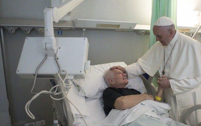 Papa: a proximidade é um bálsamo para quem sofre na doença